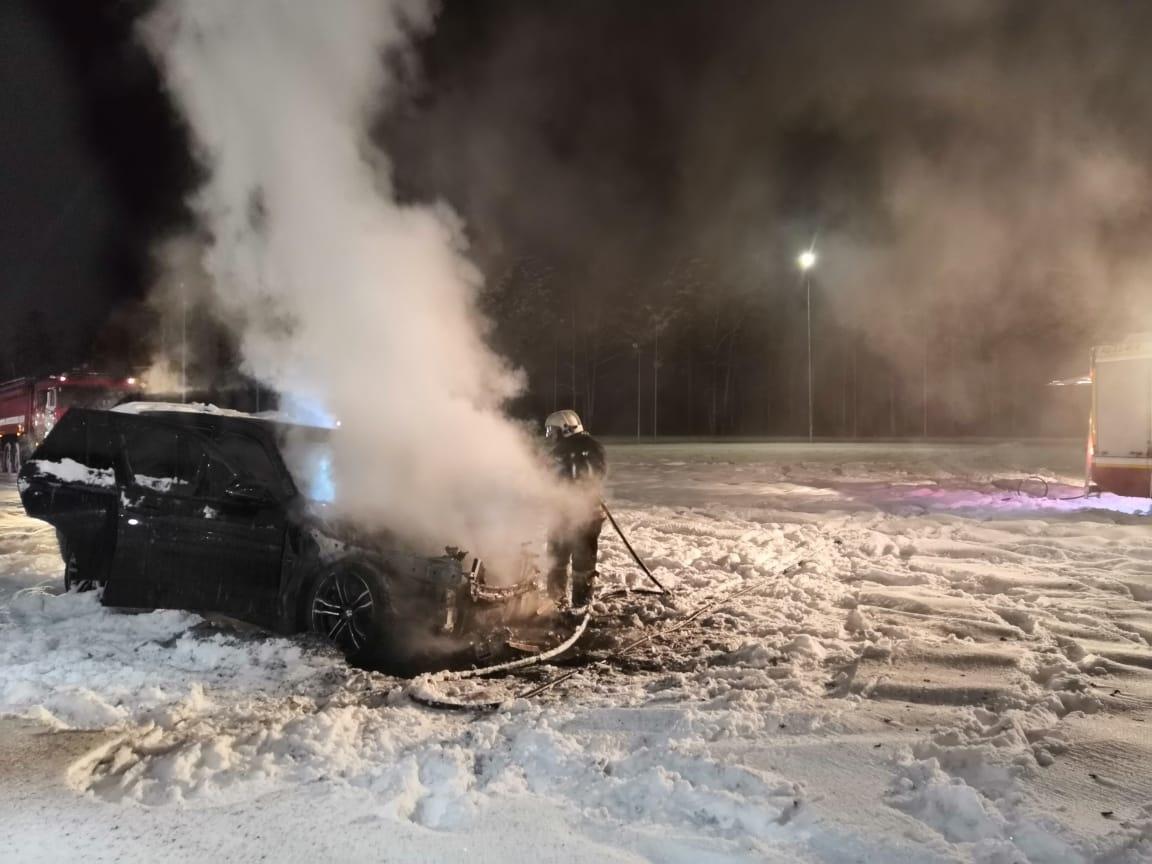 Возгорание транспортного средства в городском округе Ленинский