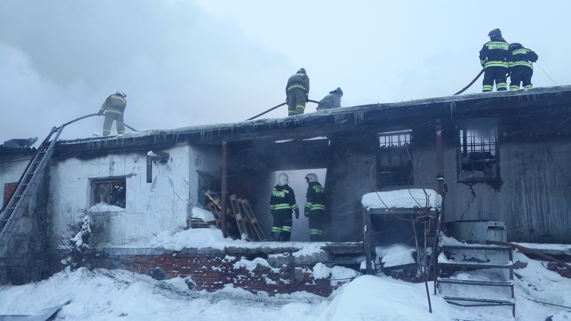 Пожар в нежилом здании в городском округе Долгопрудный