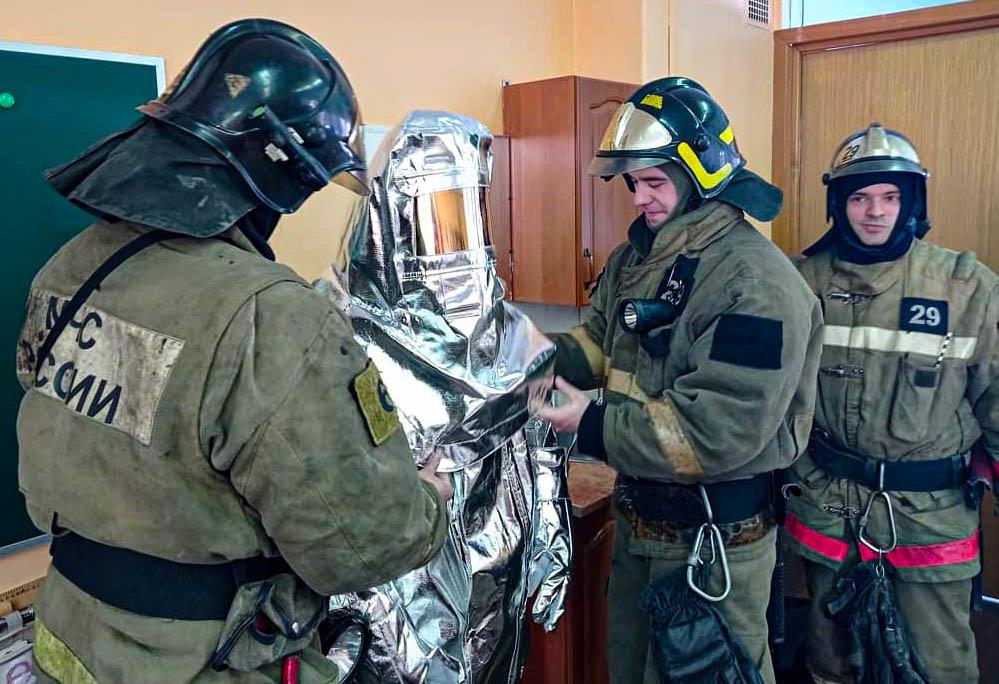 Школьникам Балашихи рассказали о назначении гражданской обороны