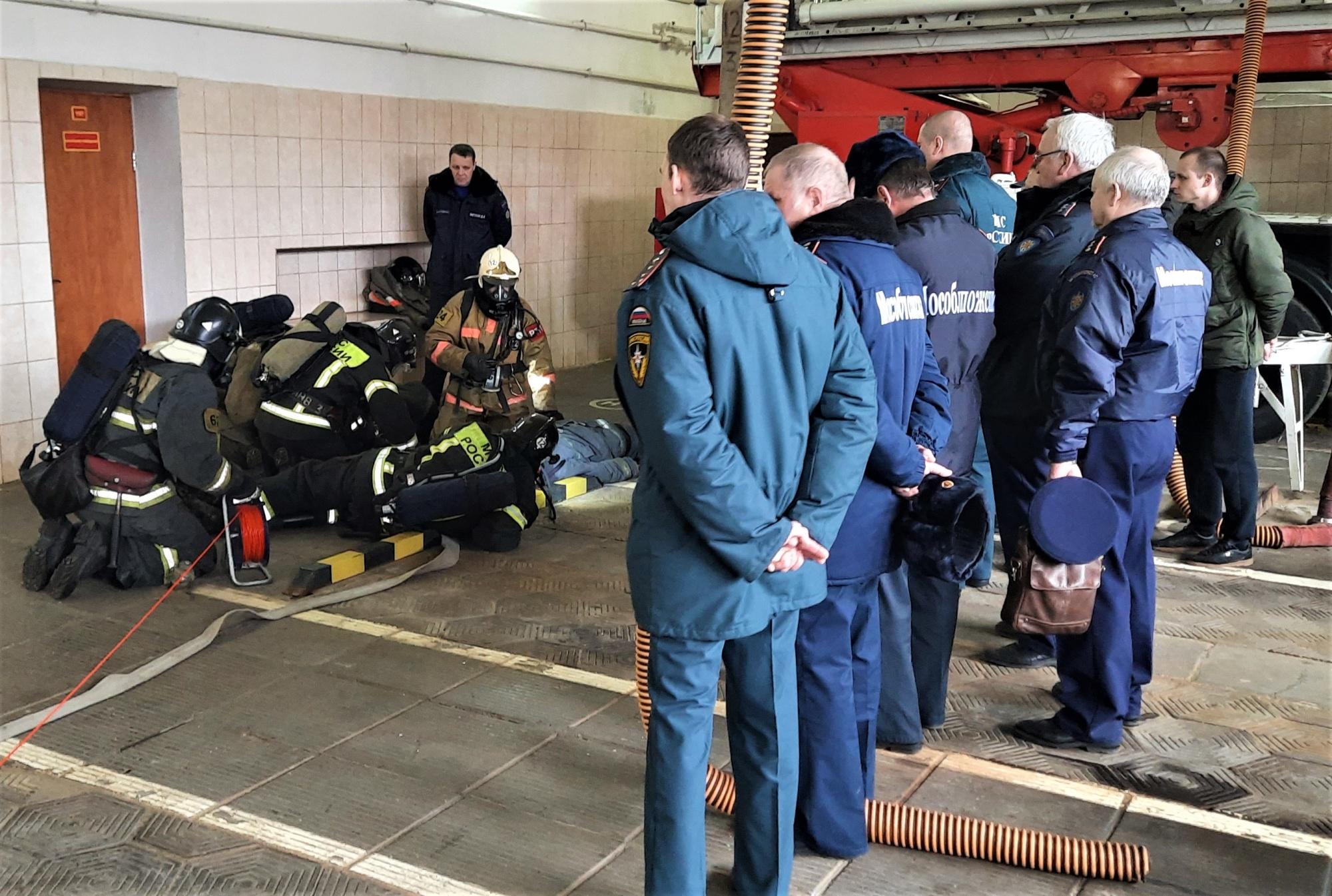 Пожарные Ногинского гарнизона провели практическое занятие звеньями ГДЗС