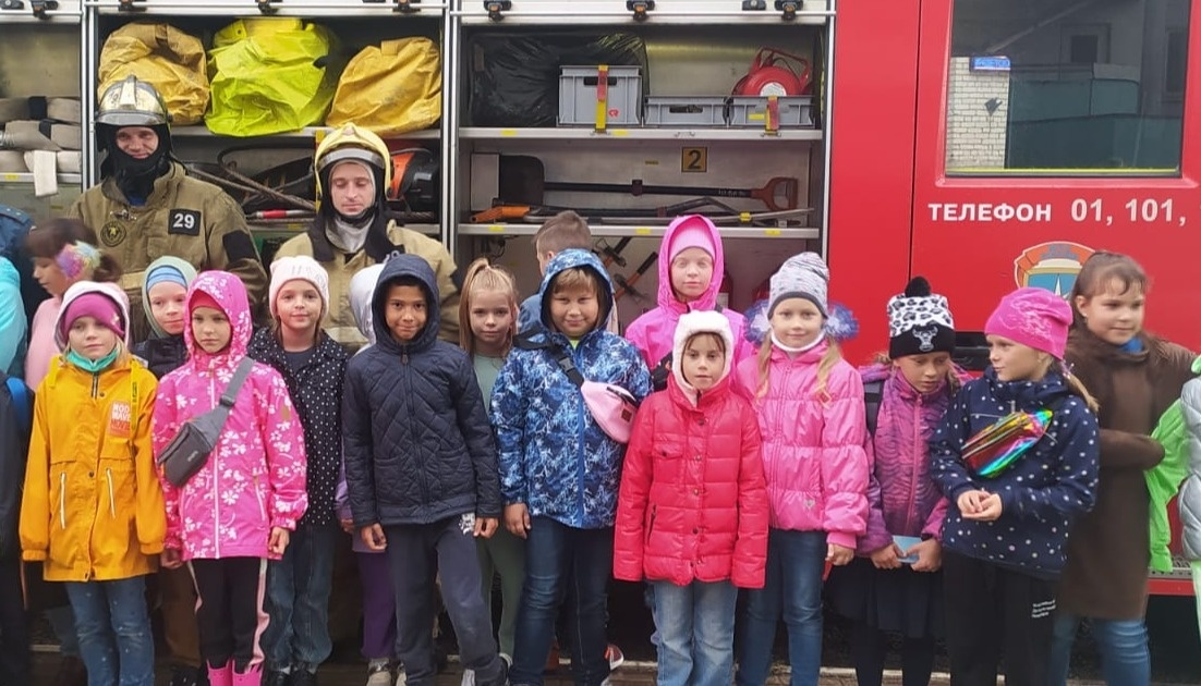 Сотрудники МЧС посетили школу искусств микрорайона Дзержинский