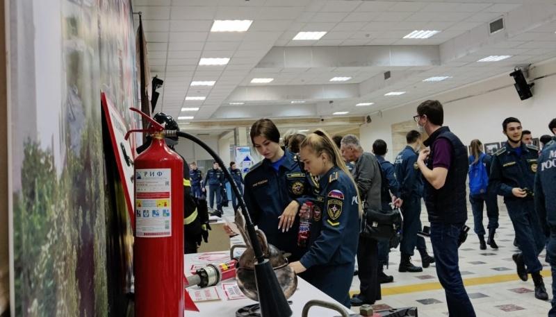 Выставка, посвященная истории гражданской обороны России, организована в Раменском